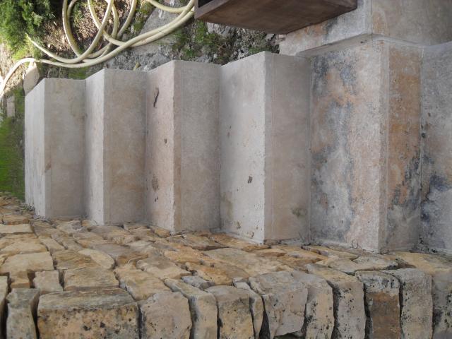 Pose de carrelage sur terrasse et escalier chateauneuf for Alpes carrelage manosque