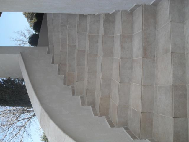 Fa ade carrelage ma onnerie et toiture les r alisations de crcf dans les - Pose carrelage sur escalier beton ...